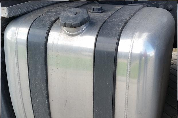 Half-Glimmende-tank
